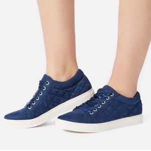 JustFab Kontessa Quilted Sneaker Blue size 10